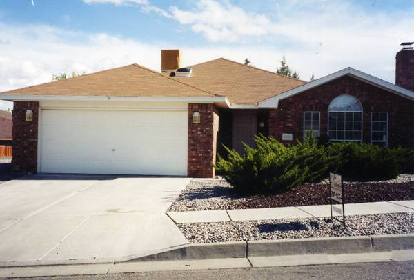 Featured Listing - 3 Beds, 2 Baths, $1175.00, NM-Albuquerque