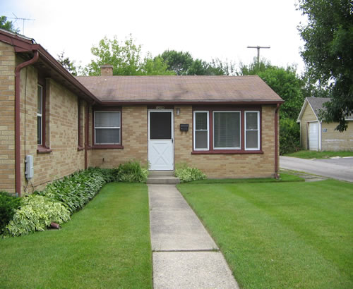 Featured Listing - 3 Beds, 1 Baths, $885.00, IL-Waukegan